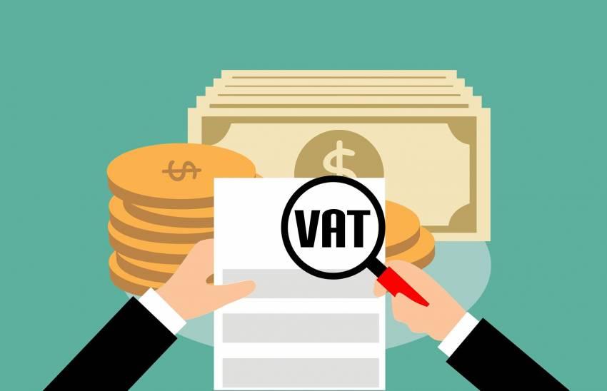 خبراء ضريبة القيمة المضافة في الامارات